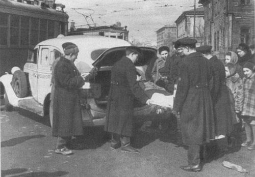 ZIS-101-1947-ulitca-sm-O.jpg